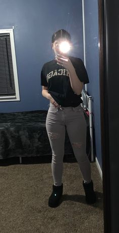 These jeans are in great condition I worn them about 3 times. The cuts were hand made. I will accept offers Cute Girl Poses, Cute Girl Photo, Girl Photo Poses, Sad Girl Photography, Tumblr Photography, Cool Girl Pictures, Girl Photos, Looks Rihanna, Look Legging