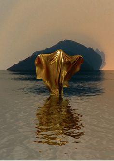 Video sculpture by Kathryn Ferguson and Weirdcore. Inspiration Art, Gold Aesthetic, Wow Art, Sculpture, Art Photography, Louvre, Photoshoot, Landscape, Creative