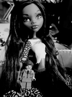 clawdeen wolf with remus lupin lego! instagram   twitter   flickr: mishimixer7