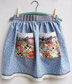 Half apron made with vintage fabric -geometric blue print & large diagonal floral. Flirty Aprons, Cute Aprons, Retro Apron, Aprons Vintage, Linen Apron, Apron Diy, Blue Apron, Sewing Aprons, Half Apron