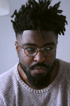 Captivating Black Men Hairstyles Ideas To Try Now – Men's Hairstyles and Beard Models Black Men Haircuts, Black Men Hairstyles, Cool Haircuts, Cool Hairstyles, Fashion Hairstyles, Harry Samba, Mode Old School, Black Hair Cuts, Dreadlock Hairstyles For Men