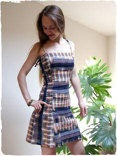 bfa510204937 vestito estivo colorato Sara Vestito estivo arricciato sui fianchi e  dietro