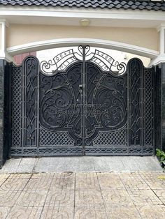 House Front Gate, Front Gates, Window Grill Design, Windows, Modern, Home Decor, Fences, Doors, Wrought Iron
