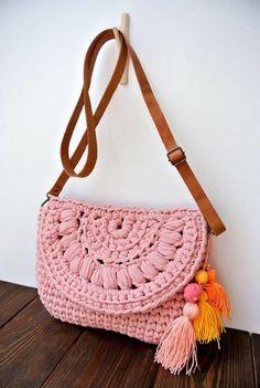 Items similar to Crossbody summer crochet bag/ beach boho chic / shoulder bag / everyday medium bag on Etsy Crochet Clutch, Crochet Handbags, Crochet Purses, Crochet T Shirts, Crochet Clothes, Creative Bag, Macrame Bag, Bag Patterns To Sew, Girls Bags