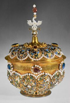 Solid gold drinking bowl richly enamelled and set with precious stones. This was one of the gifts Tsar Michael Feodorovich of Russia sent in 1637 for the wedding of the Polish king Ladislaus IV and Archduchess Cecilia Renata of Austria.