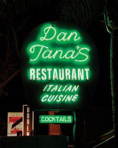Diners 27H x 11W x 1D Vertical Electronic Light Up Sign for Restaurants Caf/és LED Nachos Sign for Business Displays Bars