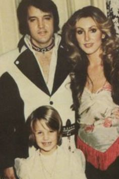 Elvis, Linda and Lisa Marie. The one person that Lisa Marie rang when her daddy died was Linda so I think they must have had a great relationship