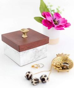 DIY Christmas Gifts for Girlfriend | Faux Wood And Marble Trinket Box