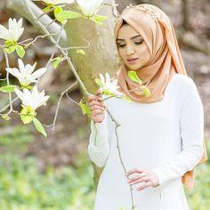 Abaya Fashion, Muslim Fashion, Modest Fashion, Fashion Muslimah, Beautiful Muslim Women, Beautiful Hijab, Hijab Dress, Hijab Outfit, New Hijab Style