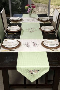 Dining Table Runner Decoration Ideas For Christmas Impressive Table Runners For Dining Room Table Design Inspiration
