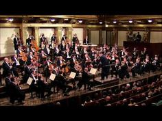 Beethoven - Symphony No 4 in B-flat major, Op 60 - Thielemann - YouTube