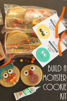 Build a Monster Cookie Kit -- a fun kit to give out at any Halloween party! Let them build their own monster party! Fete Halloween, Holidays Halloween, Halloween Kids, Halloween Treats, Halloween Stuff, Preschool Halloween, Halloween Decorations, Halloween Costumes, Halloween Goodies