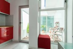 Apartamentos Prada Sevilla Situated in Seville, Apartamentos Prada is 1.2 km from Plaza de Armas. Triana Bridge - Isabel II Bridge is 1.4 km away. Free WiFi is available .  The accommodation is air conditioned and features a seating area.
