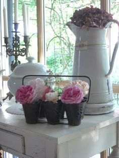 Flowers:  Enamelware and flowers. ♥