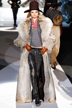 Dsquared² Fall 2011 Ready-to-Wear Collection - Vogue Fur Fashion, Party Fashion, Love Fashion, Runway Fashion, Fashion Show, Fashion Outfits, Fashion Design, Mode Style, Military Fashion