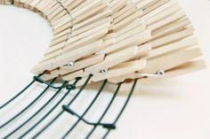 DIYclothespinwreath Source by pin crafts Wreath Crafts, Diy Wreath, Mesh Wreaths, Burlap Wreath, Wreath Ideas, Close Pin, Clothespin Art, Clothes Pin Wreath, Diy Cutting Board
