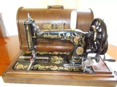 Antique Vintage Old Singer Hand Crank Sewing Machine 1902 Ottoman Carnations Antique Sewing Machines, Old Singers, Carnations, Ottoman, Antiques, Ebay, Vintage, Antiquities, Antique