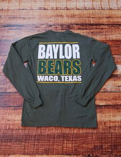 Keep showing your love for Baylor University at all times in this new long-sleeve Comfort Color t-shirt! We know you love the Baylor Bears! College Shirts, College Outfits, New Outfits, School Spirit Shirts, School Shirts, Baylor University, Tshirt Colors, Baylor Baseball, Football