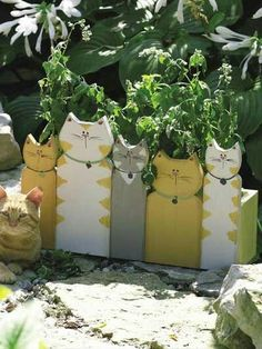 Purrrrfect Cat-Themed DIY Projects You Must Try Right Meo . - Jewelry - Purrrrfect Cat-Themed DIY Projects You Must Try Right Meo … You are in the right place about garde - Outdoor Projects, Garden Projects, Wood Projects, Woodworking Projects, Craft Projects, Yard Art, Articles En Bois, Cat Crafts, Wooden Crafts