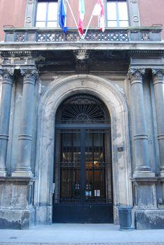 door design, milano, italy Window Design, Door Design, Italy, Windows, Doors, Italia, Window, Ramen, Doorway