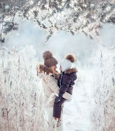 Best baby pictures poses mother daughters ideas Source by Look winter Snow Family Pictures, Winter Family Photos, Winter Pictures, Baby Pictures, Mother Pictures, Family Pics, Baby Photos, Winter Family Photography, Children Photography Poses