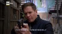 È terminata su Rai 2 la tredicesima stagione di NCIS. Nell'ultimo episodio DiNozzo scopre di essere padre e lascia la squadra. Ma Michael Weatherly lo rivedremo a febbraio in Bull.