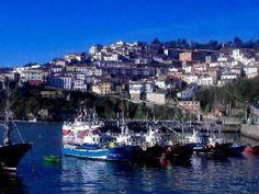 Puerto y pueblo
