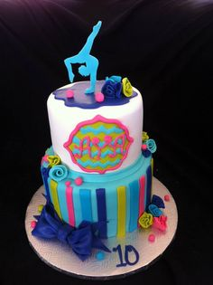 acrobatic gymnastic cake original design by unknown artist creation Maman gateau