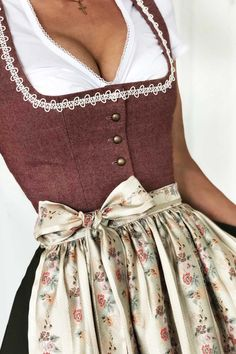 Search results for DIRNDL, You can collect images you discovered organize them, add your own ideas to your collections and share with other people. Bodycon Dress With Sleeves, Belted Shirt Dress, Tee Dress, Dresses With Sleeves, Dirndl Dress, Boho Dress, Instagram Look, Vestidos Vintage, Fashion Week
