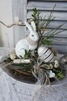 "Langohr …"" – Ostern Dekoration Garten Beton – Create Something On Easter Easter Table, Easter Eggs, Diy Y Manualidades, Selling Handmade Items, Easter Flowers, Diy Ostern, Diy Décoration, Easter Wreaths, Easter Crafts"