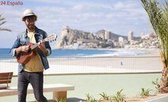 Benidorm recibe la primavera con el rodaje del videoclip «Sal a la Calle» de David Otero