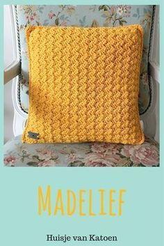 Crochet tunisian pillow cushion covers Ideas for 2019 Crochet Cushions, Crochet Pillow, Baby Blanket Crochet, Crochet Stitches, Crochet Baby, Crochet Patterns, Crochet Home, Love Crochet, Learn To Crochet