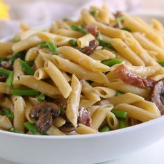 An easy, delicious pasta with asparagus, mushrooms, prosciutto, and cheese that's perfect for spring! Ready in 30 minutes or less. Scroll down for a video and see how easy this is! Asparagus And Mushrooms, Asparagus Pasta, Asparagus Recipe, Stuffed Mushrooms, Healthy Pasta Recipes, Salad Recipes, Vegetarian Recipes, Cooking Recipes, Ham Pasta