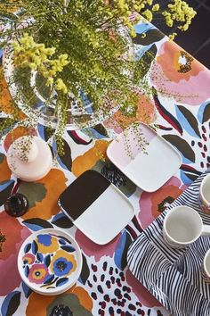 Marimekko and my Fall 2018 home selection Marimekko, Luz Natural, African Textiles, Japanese Patterns, Color Box, Textile Patterns, Floral Patterns, Illuminated Letters, Linocut Prints