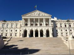 The National Assembly is just down the hill from Hotel da Estrela, as is the Palace where the Portuguese Prime Minister lives. The São Bento street has many antiques shops
