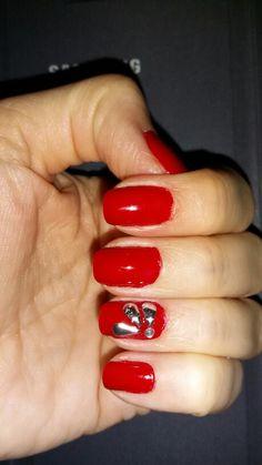 Rojo fresa con detalles 3D en plateado