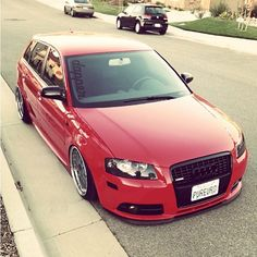 AUDI RED LOW