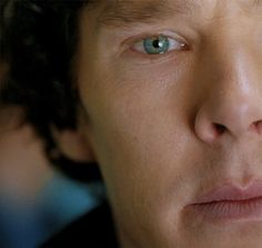 Last frame of the gif, his eye is two different colors...