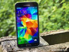 Samsung Galaxy S5 Super AMOLED display