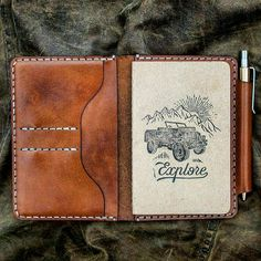 Field Notes Wallet You can observe a lot just by watching. Yogi Berra And our simple leather Field Notes wallet reminds you to write it down. Made fr Leather Notebook, Leather Books, Leather Pieces, Leather Journal, Budget Planer, Handmade Leather Wallet, Field Notes, Notebook Covers, Leather Pattern