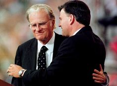 This photo is a placeholder until I find a better one of Franklin Graham with his father.Billy Graham & his son Franklin Graham -embrace during the last night of the Carolinas Billy Graham Crusade . Dr Billy Graham, Billy Graham Family, Billy Graham Quotes, Bill Graham, Billy Graham Crusades, Franklin Graham, Everlasting Life, Godly Man, Jesus Cristo