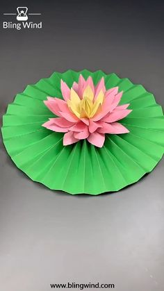 What a lovely origami craft! Try this paper lotus flower and leaf. Paper Flowers Craft, Paper Crafts For Kids, Flower Crafts, Diy Flower, Instruções Origami, Paper Crafts Origami, Origami Lotus Flower, Lotus Flower Art, Lotus Art