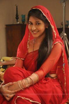 TV star Sonarika Bhadoria aka Parvati of Mahadev - Watch Indian Tv Serial Episode - Zimbio Beautiful Girl Photo, Beautiful Girl Indian, Most Beautiful Indian Actress, Beautiful Saree, Beauty Full Girl, Cute Beauty, Beauty Women, Sonarika Bhadoria, Indian Beauty Saree