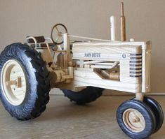 John Deere B Wooden Toy Train, Wooden Toy Cars, Wooden Truck, Woodworking Toys, Cool Woodworking Projects, Cool Wood Projects, Farm Projects, Making Wooden Toys, Wood Toys Plans