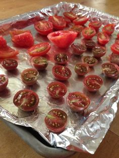 Oven roastingtomatoes - Hip Girl's Guide to Homemaking - Hip Girl's Guide to Homemaking