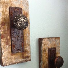 Old board with antique door knobs used to hang pictures. | I could ...