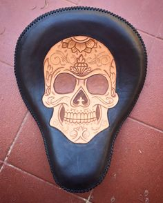 sugar skull, skull, lacing, motorcycle seat, custom seat, dye, leather craft, motorcycle leather, leather solo seat, hand made