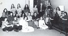 Sigma Kappa sorority at the UO 1975-76. From the 1976 Oregana (University of Oregon yearbook). www.CampusAttic.com