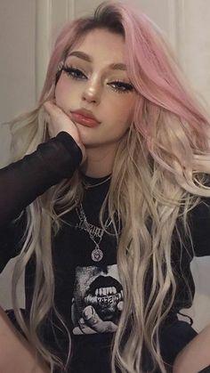 Edgy Blonde Hair, Blonde Goth, Goth Hair, Grunge Hair, Blonde Aesthetic, Aesthetic Hair, Pretty Hairstyles, Girl Hairstyles, Mode Grunge