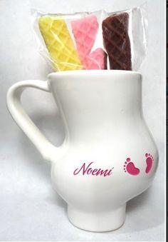 """taza de baby shower con """"galletas"""" hechas de Jabón, es un lindo regalo para mamá"""
